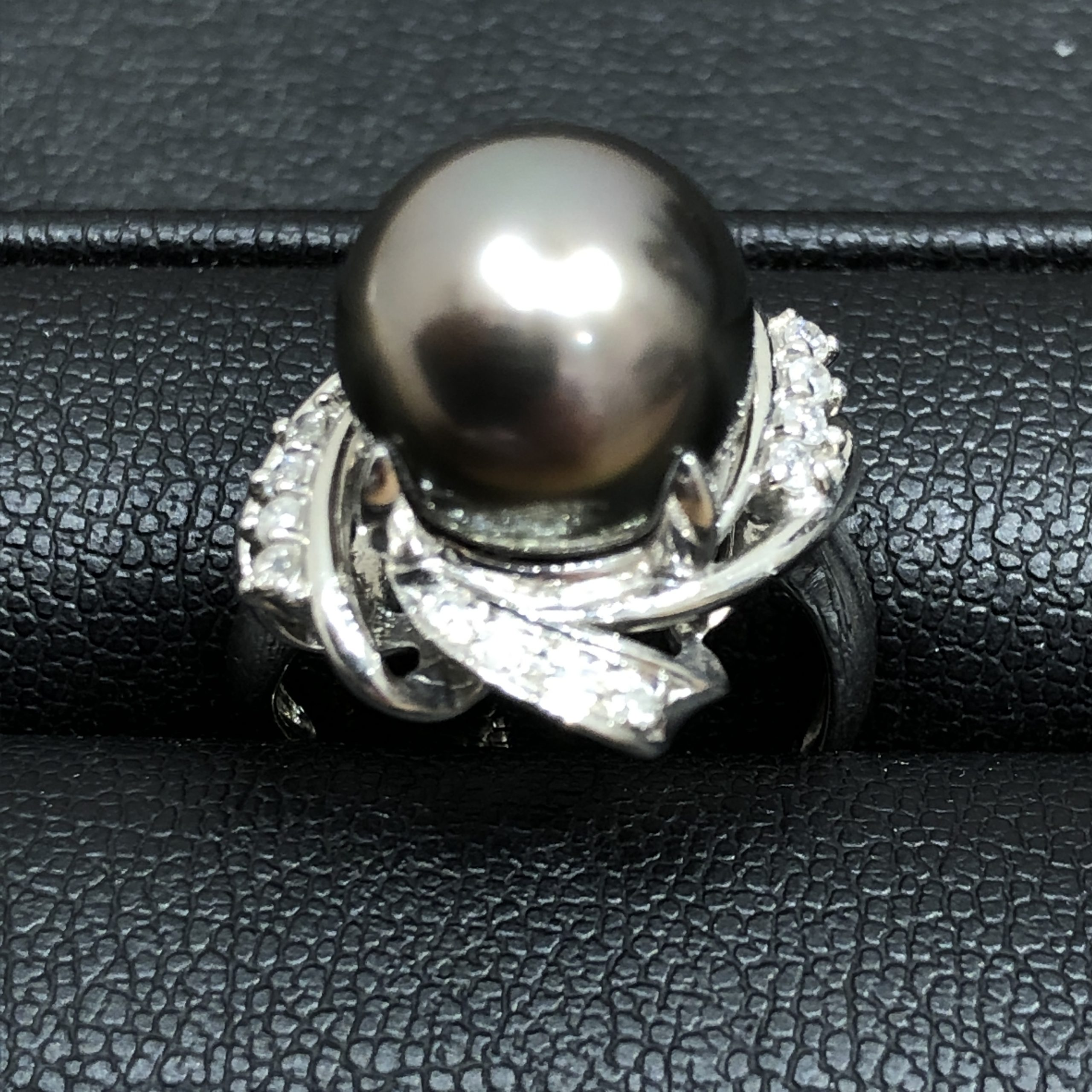 【Pt900/プラチナ900】リング 黒真珠